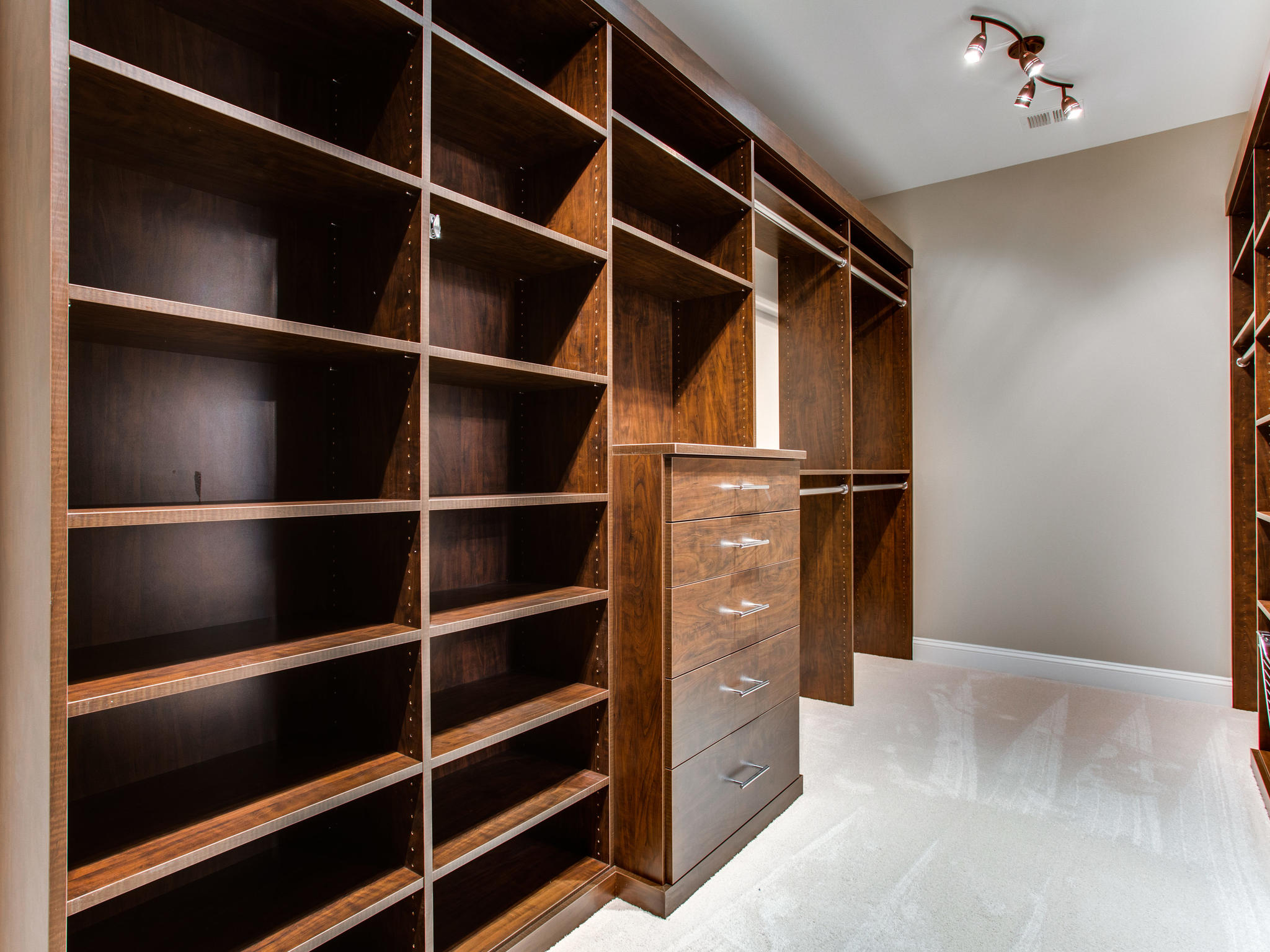 11701 Pine Tree Dr Fairfax VA MLS_Size 086 74 Master Closet 2048×1536 72dpi